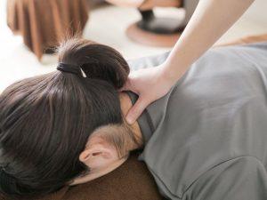 整体で首や肩の痛みが改善しない理由