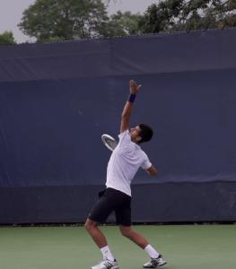 テニスサーブは体幹を働かせ上達
